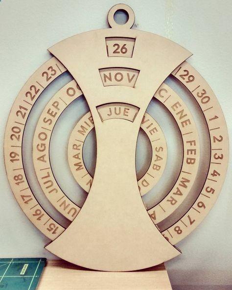 Ahora es imposible que se me olviden los días #conce #chile #calendar #lasercut by marceloojara