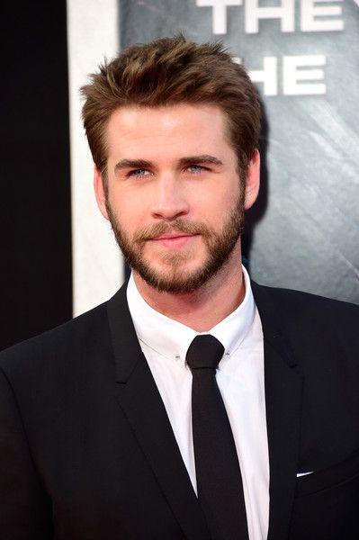 Liam Hemsworth Fotos Fotos: Premiere von 20th Century Fox 'Independence Day: Resurgence' – Ankünfte