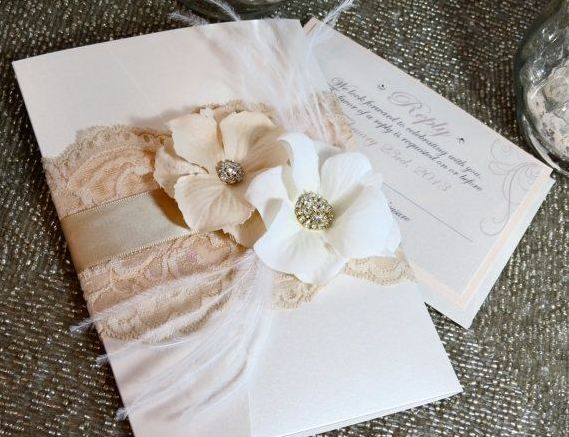 Peach and white wedding invitations with lace and flowers, vintage glam <3 #invitation #wedding #vintage