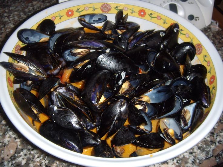 Zuppa di Mussels... there is no better way to celebrate summer!