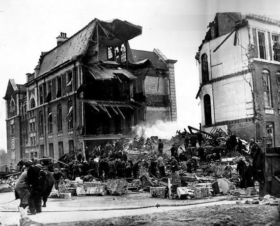 Bomb damage, Sandhurst rd, Catford 1943