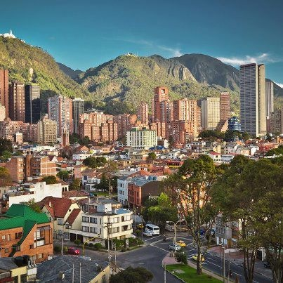 Cuando yo me voy, para Bogotá también allá.....