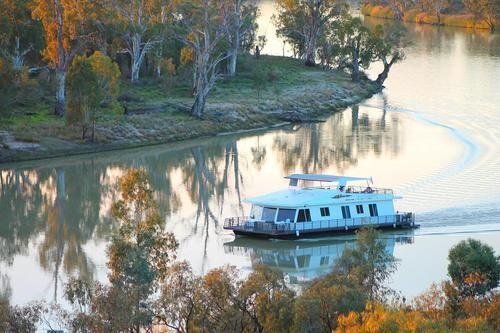 - South Australia - Reflections Houseboat Blanchetown Riverland, Griffens Marina Houseboats South Australia
