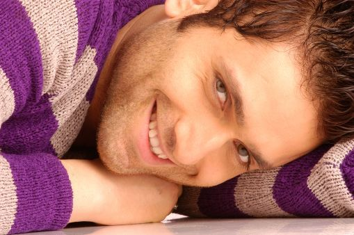 A beautiful picture of Shiney Ahuja In Romantic Mood downloaded from http://alliswall.com