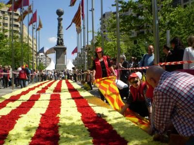 If you are lucky enough to find yourself in Barcelona this spring, you will be sure to find a concert, fair, activity or traditional celebration that´s right up your alley!