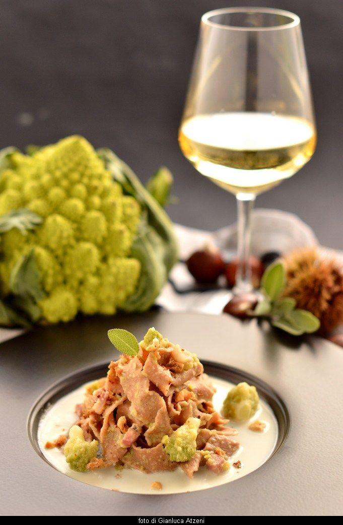 Pappardelle di castagne con fonduta di pecorino, broccolo romanesco e pancetta