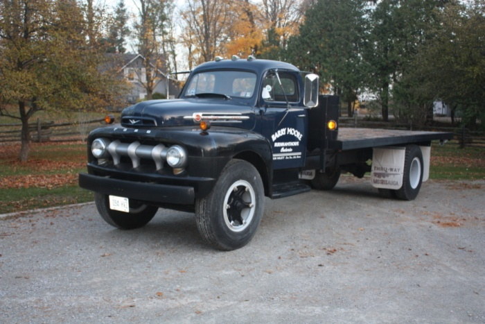 1952 Ford F-7