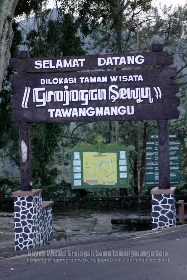 Obyek Wisata Grojogan Sewu Tawangmangu Solo