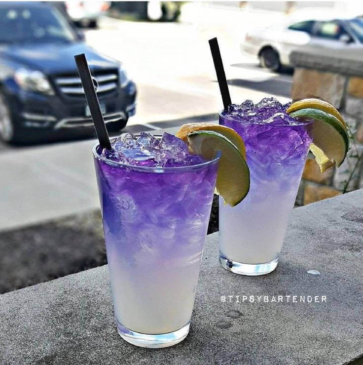 Purple People Eater Cocktail - For more delicious recipes and drinks, visit us here: www.tipsybartender.com