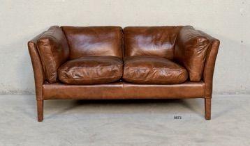 Divanetto in pelle - Leather sofa http://www.griffegenova.com/Griffe_Home/Divani_pint_new.html