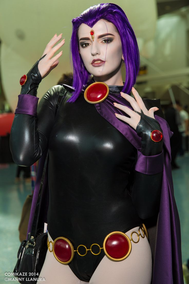 Character: Raven / From: DC Comics 'Teen Titans' / Cosplayer: Abby Normal Cosplay