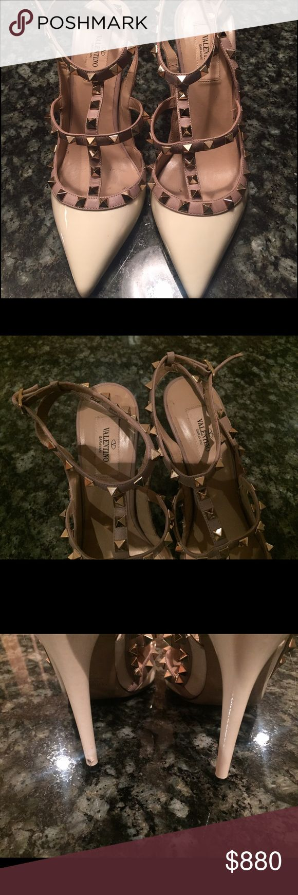 Valentino Rockstud White 39.5 Amazing white rockstuds. PP only. Negotiable on price within reason. Valentino Shoes Heels