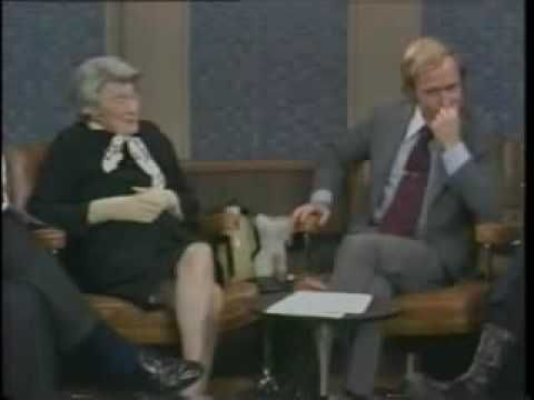 Vidal hands Mailer his ass in his hat:    Norman Mailer and Gore Vidal Feud on the Dick Cavett Show