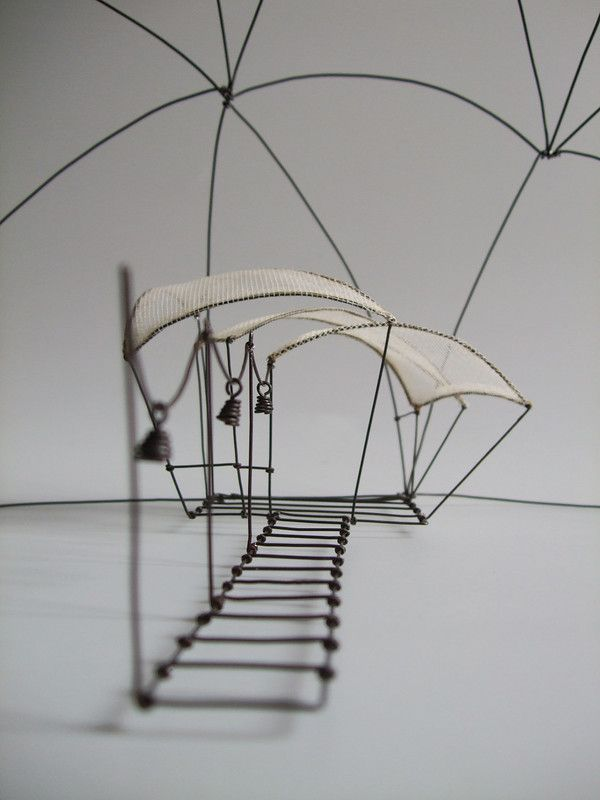 """Sculpture """"Filaire de nuage - L'escale"""" (détail) - Isabelle Bonte - de Fer est mon Fil - 2015"""