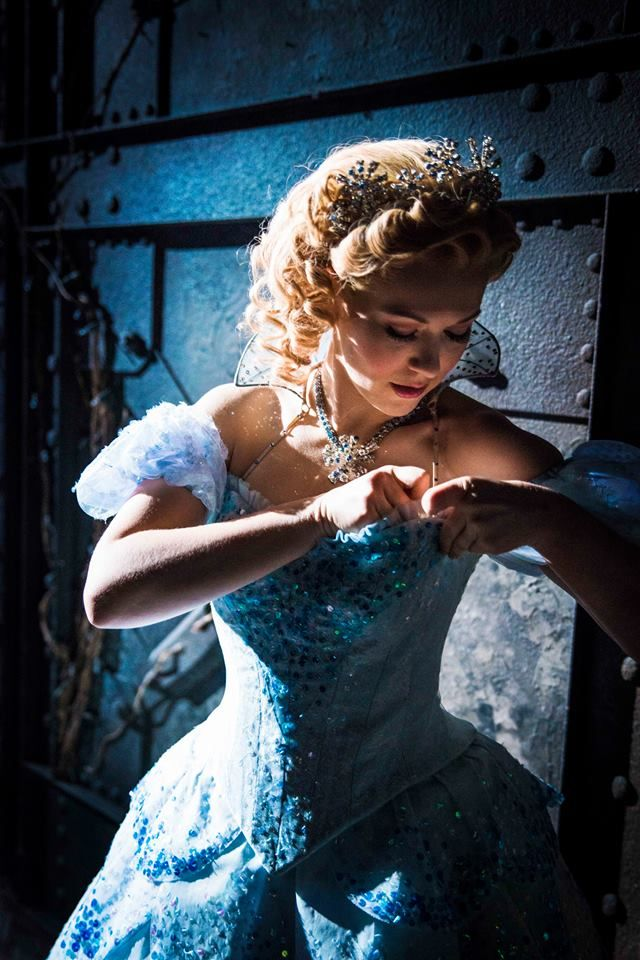 Backstage at WICKED at London's Apollo Victoria Theatre ♡ Glinda http://www.lovetheatre.com/tickets/1085/Wicked?sid=PIN