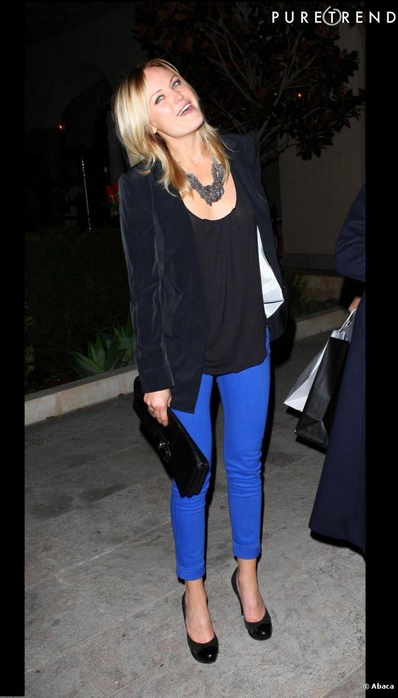 Malin Akerman Pantalon bleu électrique  Look # 2