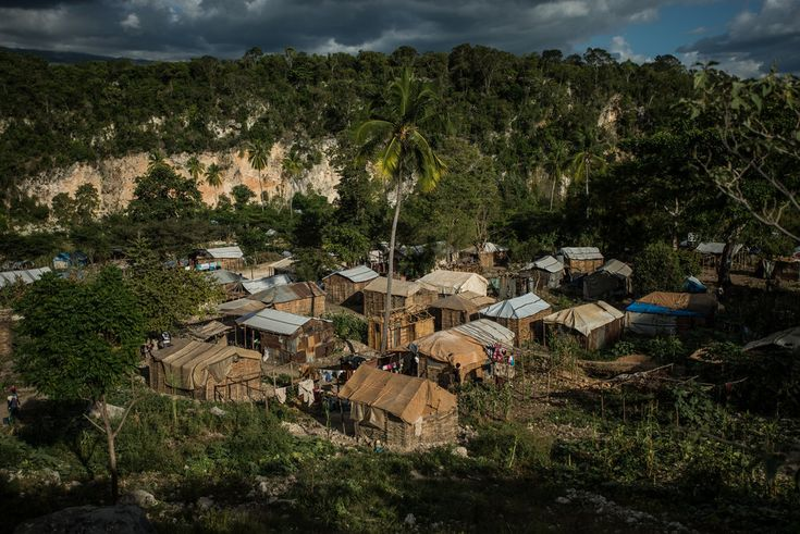 http://evememorial.org/ Driven from the Dominican Republic by force or by fear, nearly 3,000 Haitian migrants have arrived as stateless refugees in the packed camps of a borderland where cholera thrives and food is scarce.