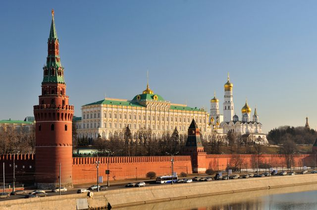 Moscow Kremlin - Photo Gallery and Information: Towers and the Grand Kremlin Palace