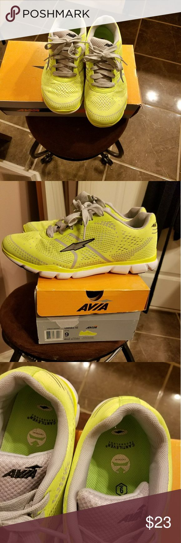 Avia women sneakers Practically brand new! Wore once! Avia Shoes Athletic Shoes