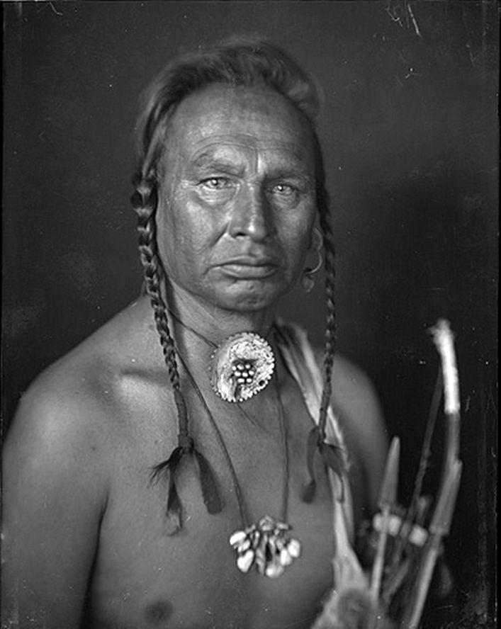 White Man Runs Him - Crow, 1902