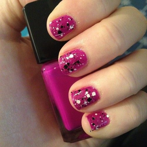 Splatter Paint Nails, Nail Polish, Pink Nails, Black And White, White Glitter, Summer Nails, Splatter Nails, Pink Glitter, Art Nails