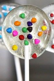 Homemade Lollipops are a great #DIY gift that everyone will love! @justataste