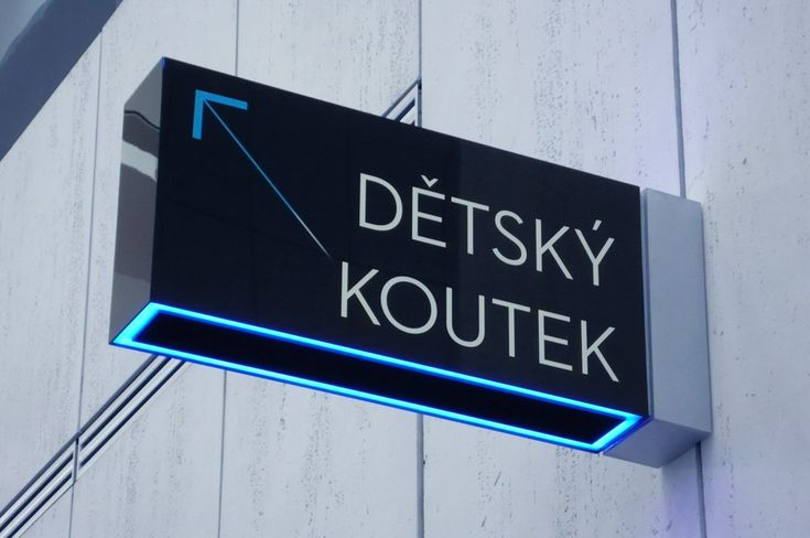 signpost – Gourdin & Müller wayfinding system and signage for the shopping centre New Karolina in Ostrava