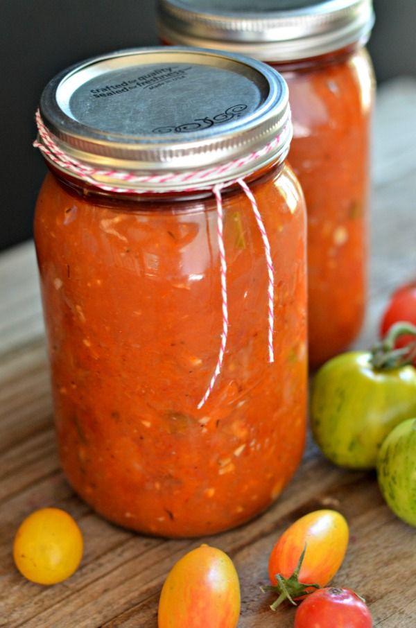 Heirloom Tomato Sauce | mountainmamacooks.com #canningweek14