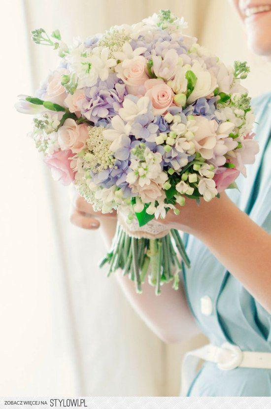 Najpiękniejsze bukiety ślubne [1]: w pastelowych kolora… na Stylowi.pl