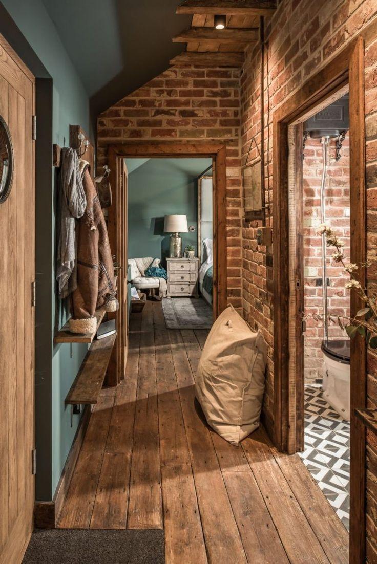 adelaparvu.com über das kleine Haus in Großbritannien, Türkis und Holz und Ziegel,