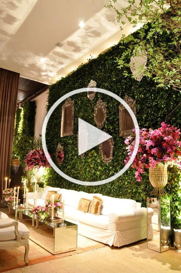 A Living Wall In A Wedding Lounge Wow Also Reminds Me Of The Rose Garden Room At Joel Robuchon At Mg Rustic Garden Decor Eclectic Decor Cafe Interior Design