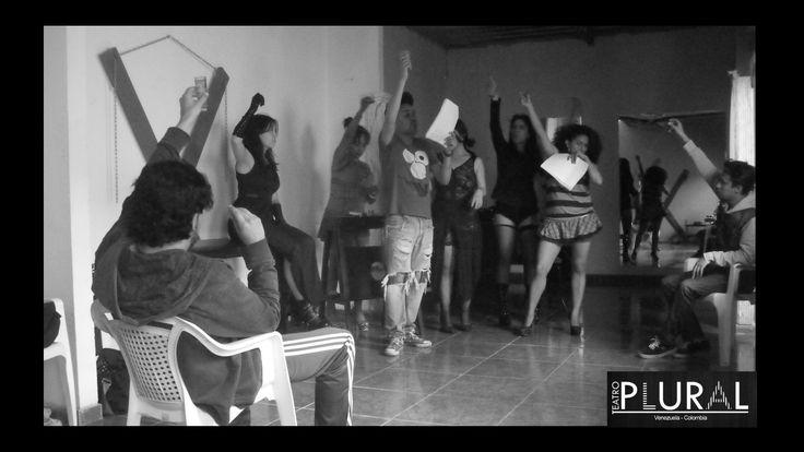 Todos brindando #PervertidasYMalqueridas #TeatroPlural