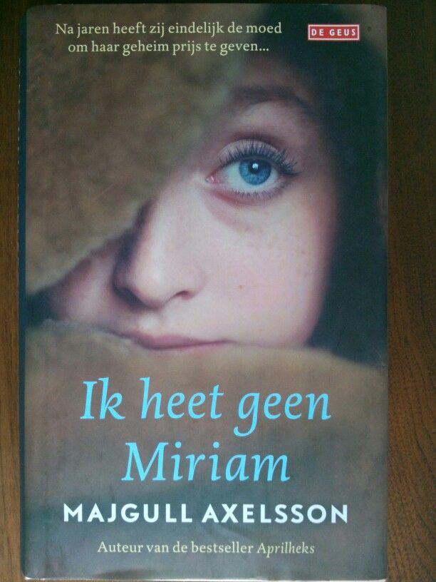 48/53 Bijzonder verhaal over Roma-meisje in WOII en daarna. Ze gaat door voor Joodse omdat Roma in Zweden het bar slecht hebben.