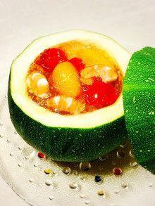 丸ごとズッキーニの器de夏野菜のゼリー寄せ|レシピブログ