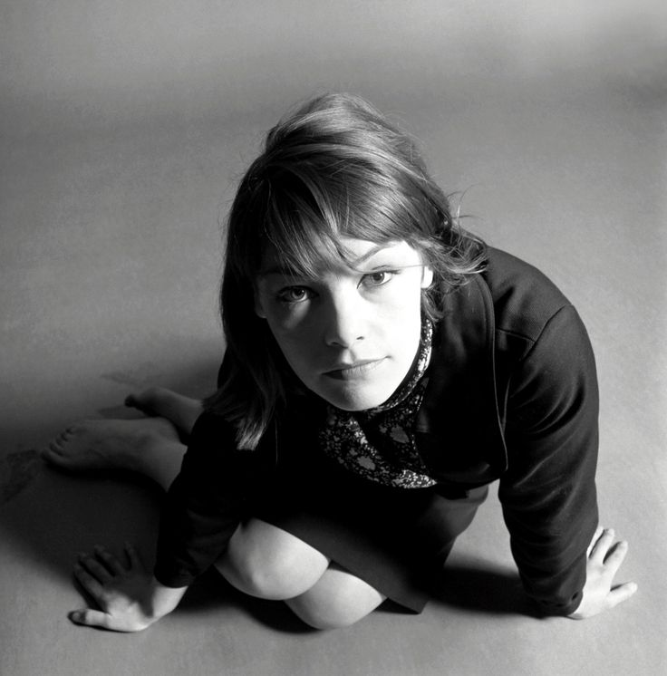 Glenda Jackson. Brilliant, brilliant, brilliant woman. Politician and actress. Adore her and her 70s style.