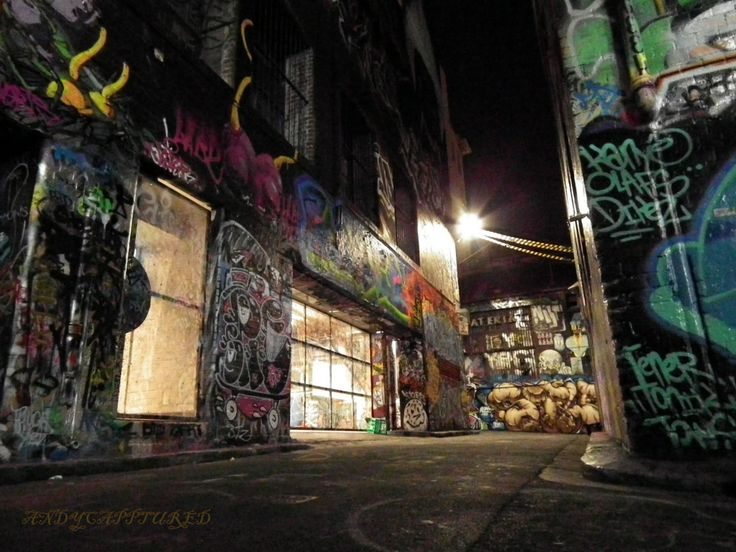Street art Melbourne at night