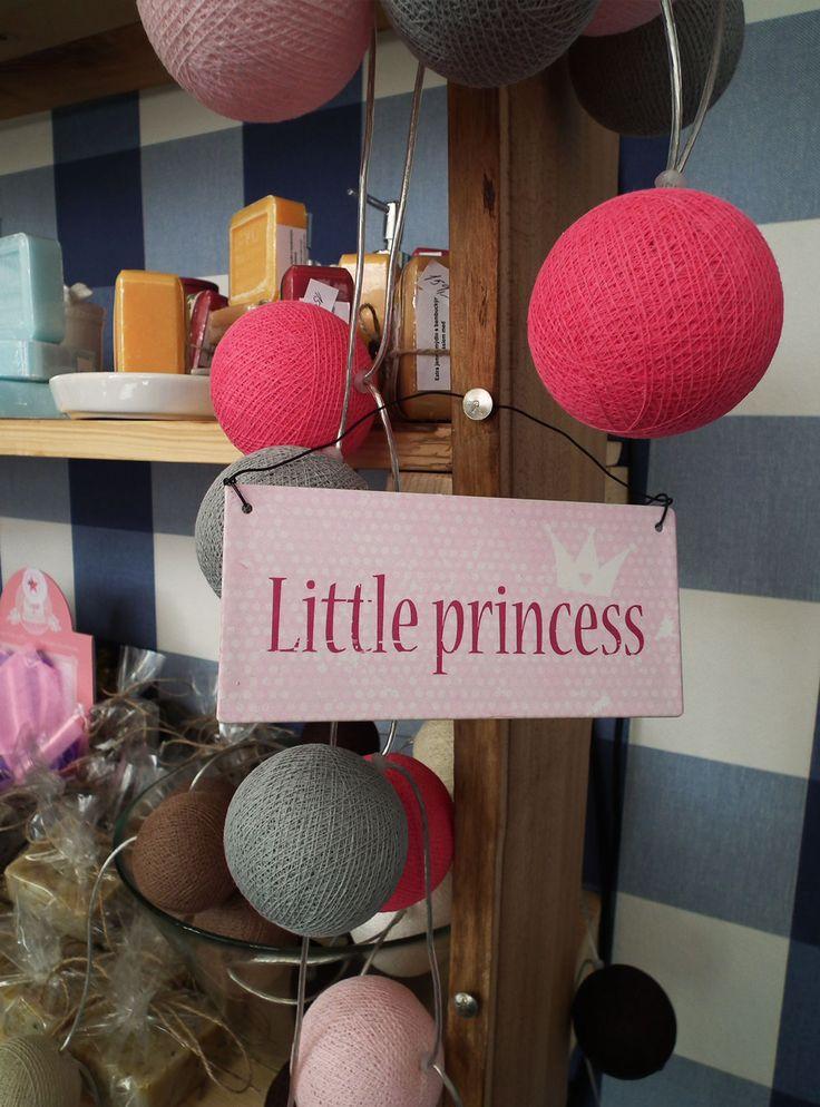 Plechová dekorativní cedule s nápisem - Little princess. http://www.Niels-Decor.cz