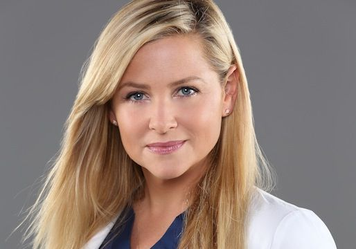 Grey's Anatomy's Jessica Capshaw on Never Kissing Leah, the One (Plot) That Got Away and a Darker Arizona: 'Something Is Wrong With Her!'