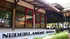 in nederlandse school in nederlands-indie waar iedereen nederlands moest leren
