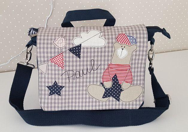 Liebevoll gestaltete Kindergartentasche/ Kindergartenrucksack mit Wunschnamen. - abnehmbarer Rucksackträger - abnehmbarer verstellbarer Schultergurt - 100% Canvas, Farbe blau - Innenfutter...