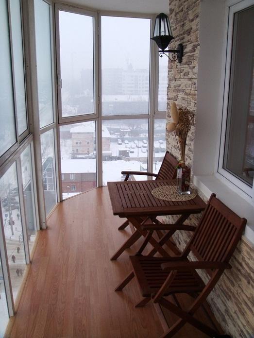 Ideas para decorar galeras y balcones