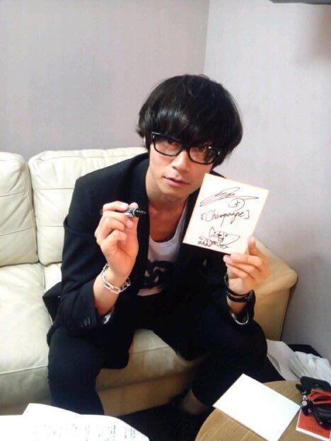 [Champagne]川上洋平2011/5/16 今日は渋谷WWWにて川上洋平トークイベントです! よろしくお願いします おろち /「マイ・バック・ページ」の公開祈念トークショー@渋谷WWW