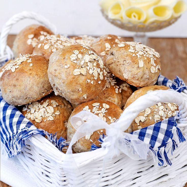 Grova havrefrallor som passar som frukost- eller picknickbröd.