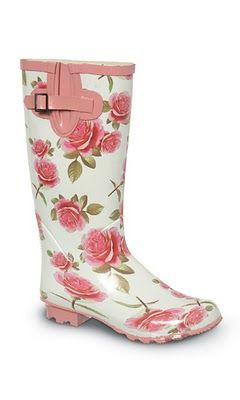 rose. Wellies.
