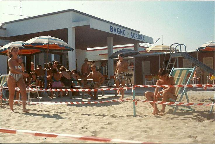 1978 bagno Aurora Cesenatico - campo da bocce sulla spiaggia