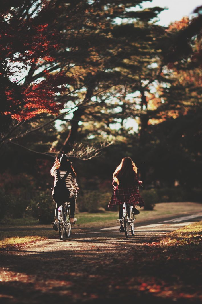 autumn fun with your bestie ••• have a nice …