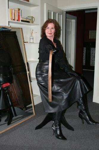 Læder Lady Ældre Femdom-9622