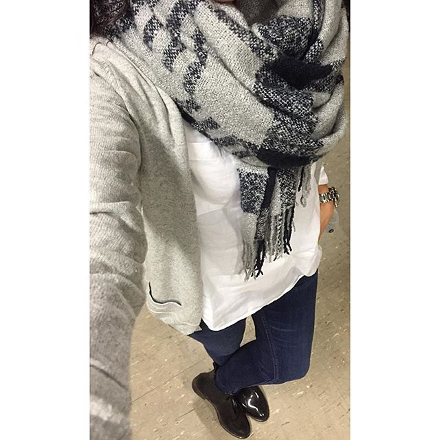 Hier noch mein #ootd im ganzen ☺️... Gute Nacht meine lieben Insta Freunde und angenehme Träume 🌙✨💫💫💫💕🙋🏻. Bugünde böyle 🙈... İyi geceler ve tatlı rüyalar 🌙✨💫💞🙋🏻💕. #goodnight #iyigeceler #gutenacht #instaworld #mylook #mystyle #myoutfit #look #simple #dress #outfit #style #streetstyle #stylepost #styleoftheday #igers #pic #lookoftheday