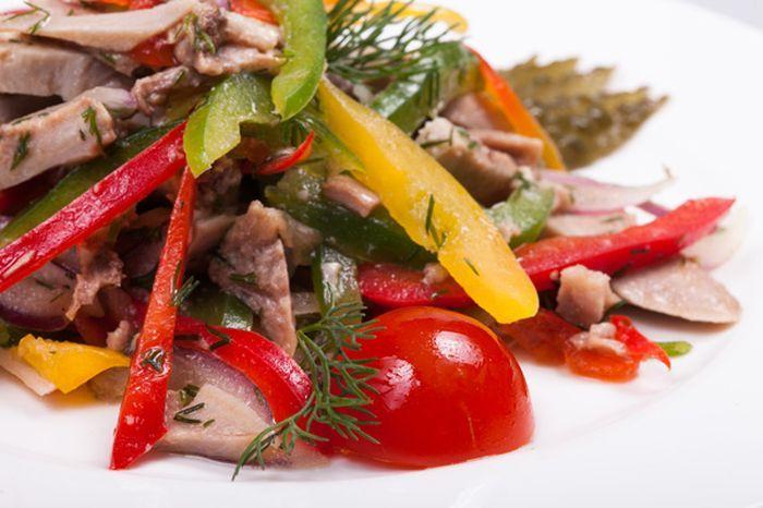 Вкусный салат из свиного языка