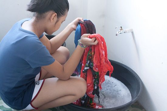 How to Wash Clothes by Hand: 12 Steps - wikiHow Since landlord pays for water and I have to pay for laundry...